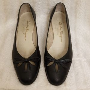Black leather Salvatore Ferrogamo shoe